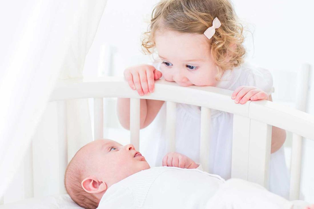 Jak od początku dbać o relacje w rodzeństwie